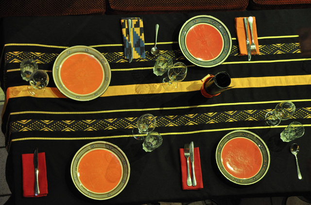 GOLD-Restaurant-Table